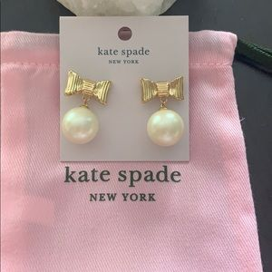 kate Spade All wrapped up in Pearls earrings NWT